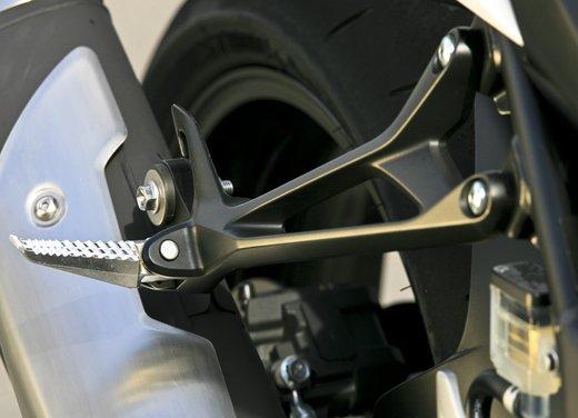 Suzuki GSR750: puntale e sella monoposto in offerta - Foto 16 di 30