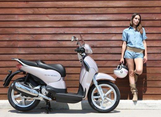 Aprilia Scarabeo 200 ie: prezzi, promozioni e novità dello scooter Aprilia - Foto 20 di 23