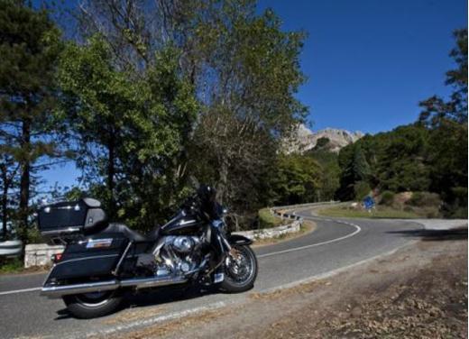 Harley-Davidson Italia e SNAV, accordo per navigare a prezzi scontati con la propria Harley - Foto 1 di 5