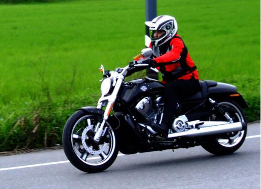 Harley-Davidson V-Rod: provata su strada la più discussa delle Harley