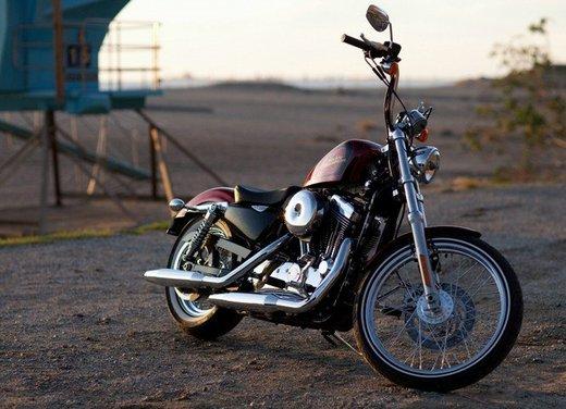 Harley Davidson Seventy-Two prova su strada della nuova Sportster - Foto 11 di 17