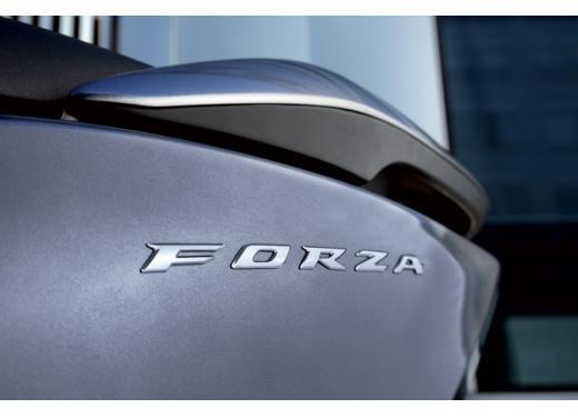 Honda Forza 300 ABS 2013 test ride del nuovo scooter Honda - Foto 3 di 8