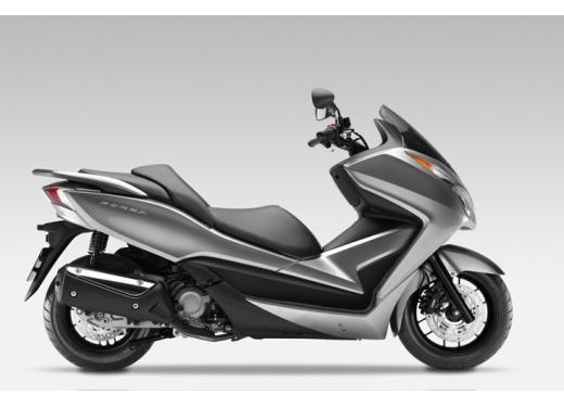 Honda Forza 300 ABS 2013 test ride del nuovo scooter Honda - Foto 5 di 8