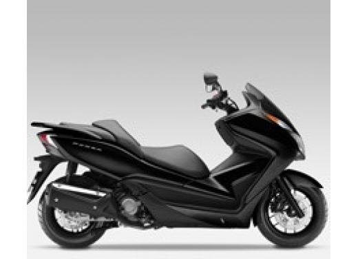 Honda Forza 300 ABS 2013 test ride del nuovo scooter Honda - Foto 6 di 8