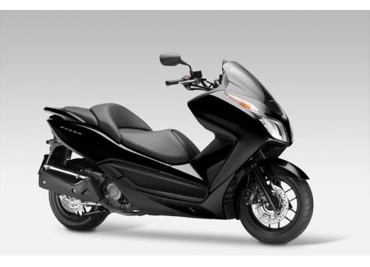 Honda Forza 300 ABS 2013 test ride del nuovo scooter Honda - Foto 7 di 8