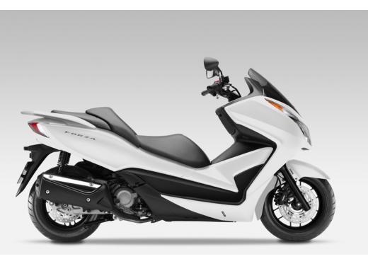 Honda Forza 300 ABS 2013 test ride del nuovo scooter Honda - Foto 8 di 8