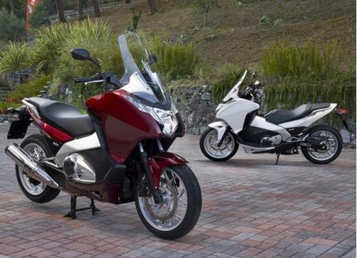 Honda Integra modello 2013 con nuova grafica - Foto 4 di 39