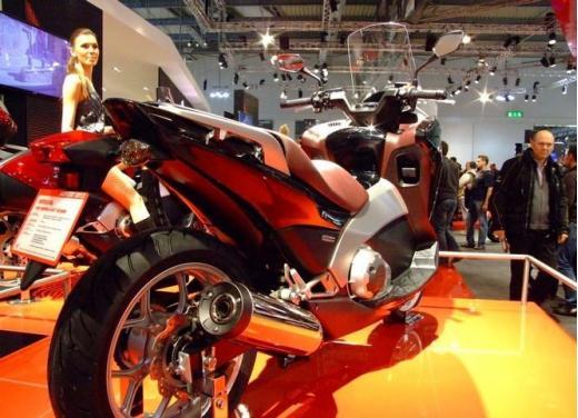Honda Integra modello 2013 con nuova grafica - Foto 15 di 39