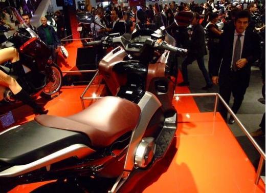 Honda Integra modello 2013 con nuova grafica - Foto 16 di 39