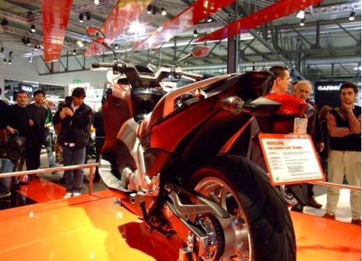 Honda Integra modello 2013 con nuova grafica - Foto 18 di 39