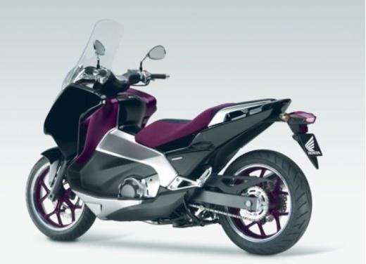 Honda Integra modello 2013 con nuova grafica - Foto 20 di 39