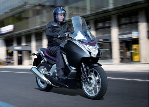 Honda Integra modello 2013 con nuova grafica - Foto 23 di 39