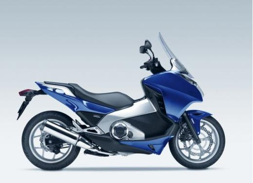 Honda Integra modello 2013 con nuova grafica - Foto 27 di 39