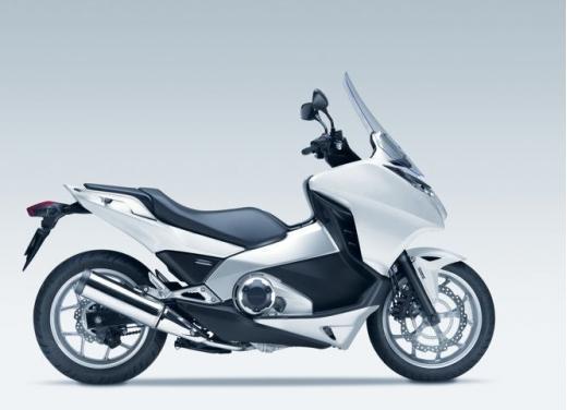 Honda Integra modello 2013 con nuova grafica - Foto 28 di 39
