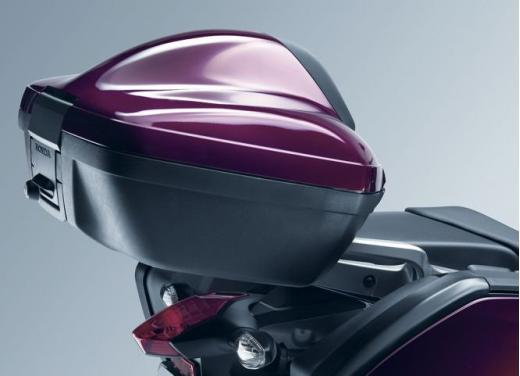 Honda Integra modello 2013 con nuova grafica - Foto 30 di 39