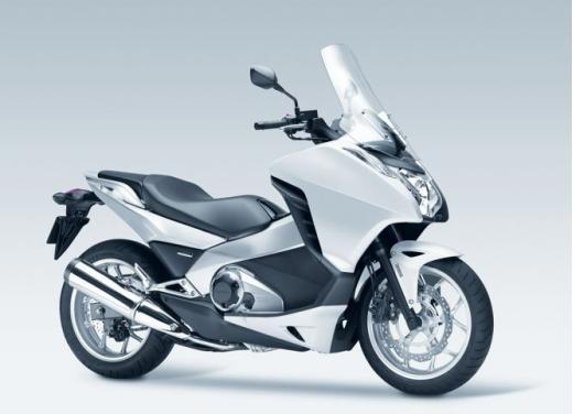 Honda Integra modello 2013 con nuova grafica - Foto 33 di 39