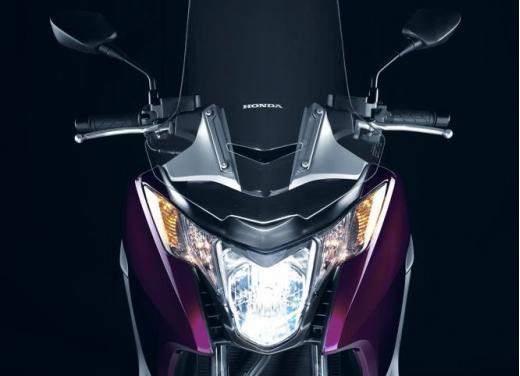 Honda Integra modello 2013 con nuova grafica - Foto 35 di 39