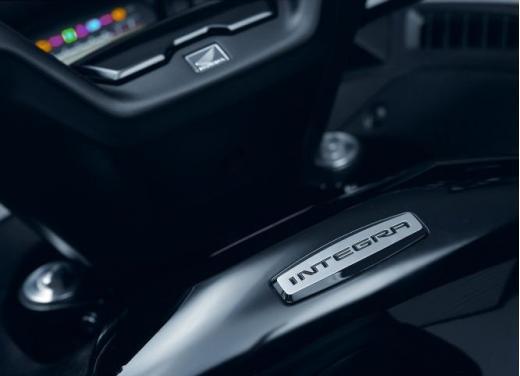 Honda Integra modello 2013 con nuova grafica - Foto 36 di 39