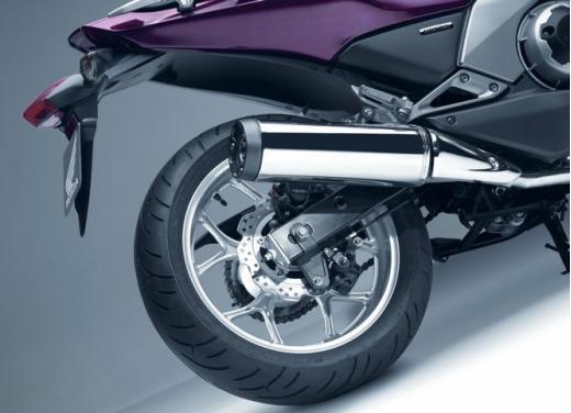Honda Integra modello 2013 con nuova grafica - Foto 37 di 39
