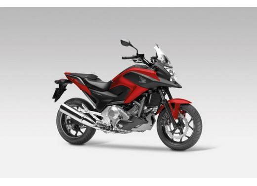 Honda NC 700X, prezzo basso e interessanti contenuti tecnici - Foto 2 di 10