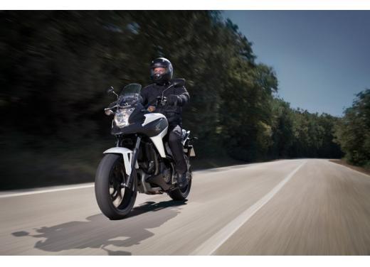 Honda NC 700X, prezzo basso e interessanti contenuti tecnici - Foto 9 di 10