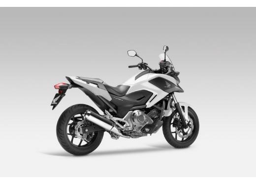 Honda NC 700X, prezzo basso e interessanti contenuti tecnici - Foto 7 di 10