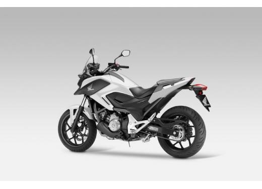 Honda NC 700X, prezzo basso e interessanti contenuti tecnici - Foto 8 di 10