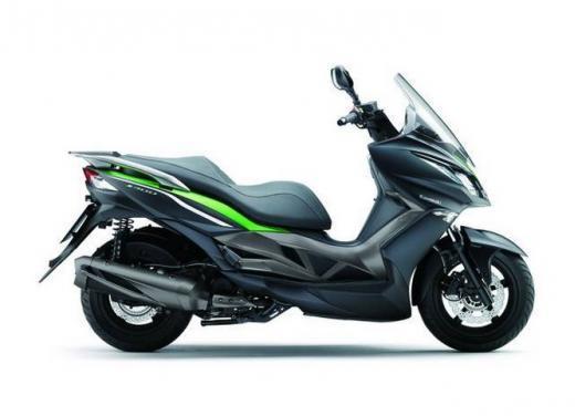 Kawasaki J300 al prezzo base  di 4.730 euro con 4 anni di garanzia e bauletto in omaggio - Foto 2 di 10