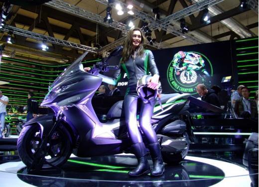 Kawasaki J300 al prezzo base  di 4.730 euro con 4 anni di garanzia e bauletto in omaggio - Foto 9 di 10