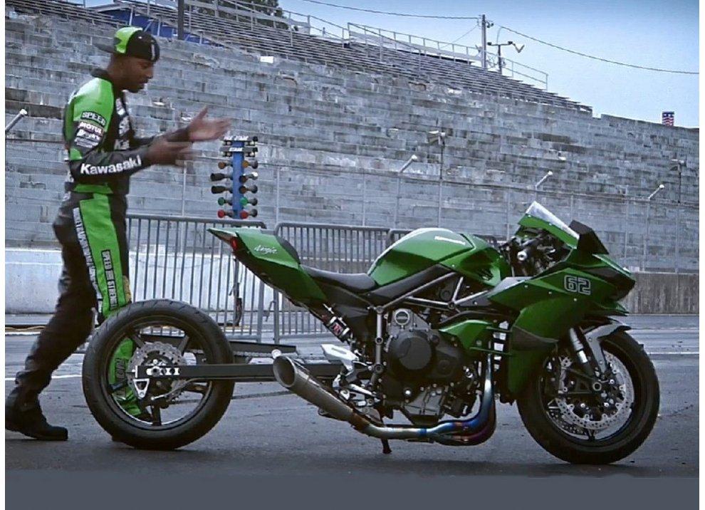 Kawasaki Ninja H2, ancora più cattiva con l'animo dragster
