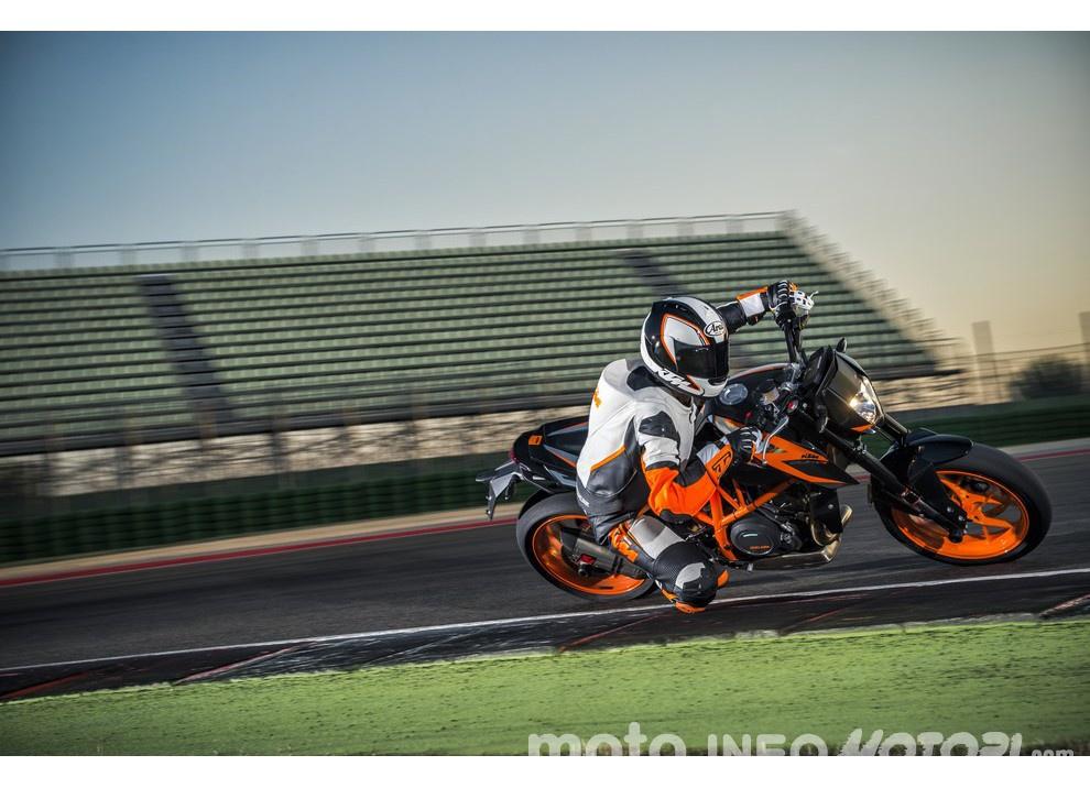 KTM 690 Duke 2016: The rage of the machine - Foto 5 di 11