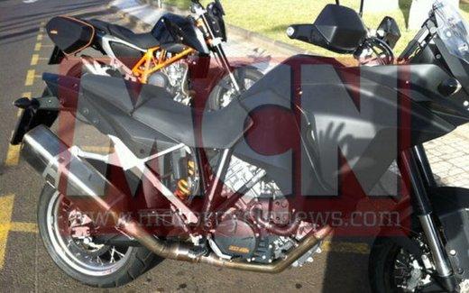 KTM Adveture foto spia della nuova generazione - Foto 2 di 8