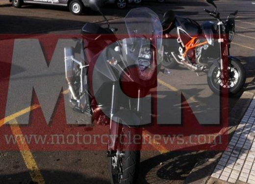 KTM Adveture foto spia della nuova generazione - Foto 4 di 8