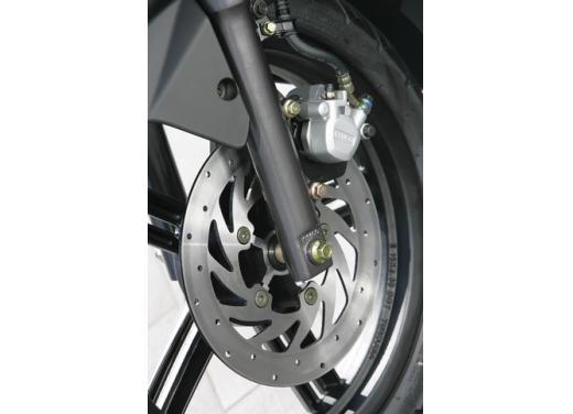 Kymco Agility 125 R16, non chiamatelo scooter low cost - Foto 15 di 28