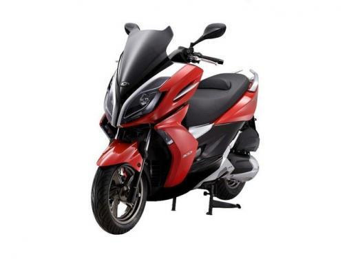 Kymco, zero interessi sugli scooter K-XCT 300i e K-XCT 125i - Foto 2 di 9