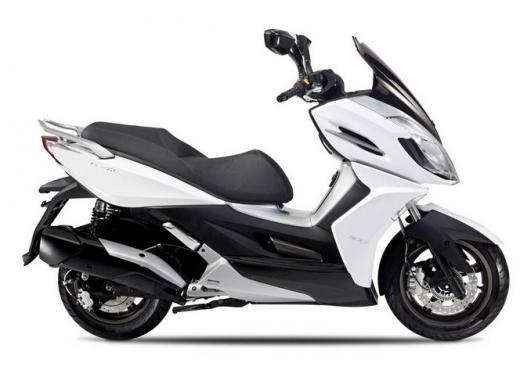 Kymco, zero interessi sugli scooter K-XCT 300i e K-XCT 125i - Foto 1 di 9
