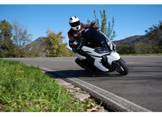 Kymco, zero interessi sugli scooter K-XCT 300i e K-XCT 125i - Foto 7 di 9