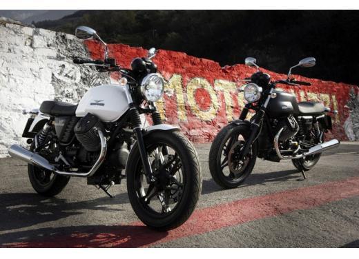 Moto Guzzi V7 supervaluta l'usato, fino a 800 euro di vantaggi - Foto 1 di 5