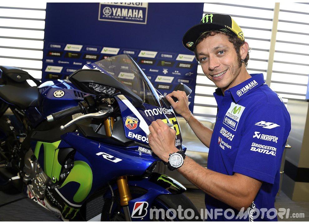 La Yamaha YZF-R1 di Valentino Rossi all'asta