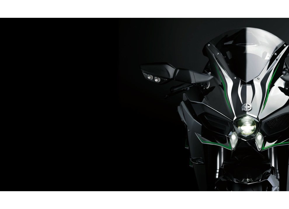 Le Kawasaki Ninja H2R e Ninja H2 arrivano in listino
