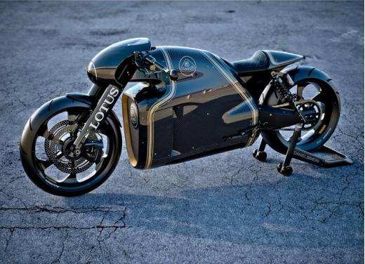 Lotus C-01, la prima moto del marchio britannico - Foto 4 di 23