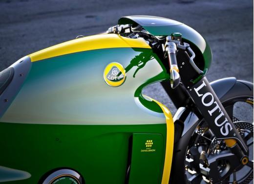 Lotus C-01, la prima moto del marchio britannico - Foto 17 di 23