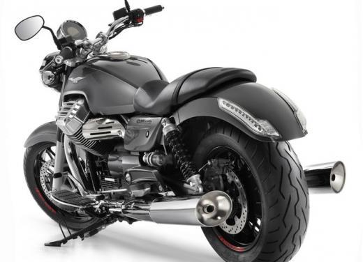 Moto Guzzi California 1400 Custom: Best of the Best Cruiser Motorcycle - Foto 4 di 7