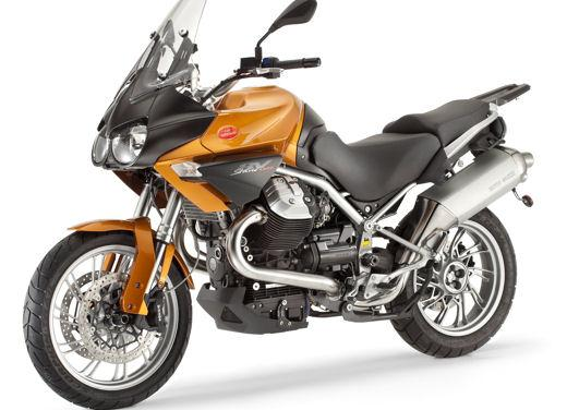 Moto Guzzi gamma V7, Nevada e Stelvio in promozione a maggio - Foto 2 di 7