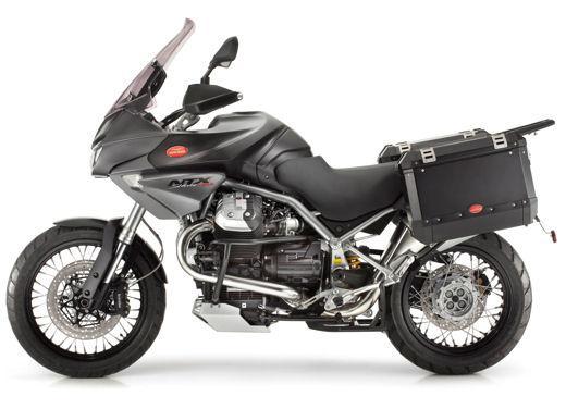 Moto Guzzi gamma V7, Nevada e Stelvio in promozione a maggio - Foto 5 di 7