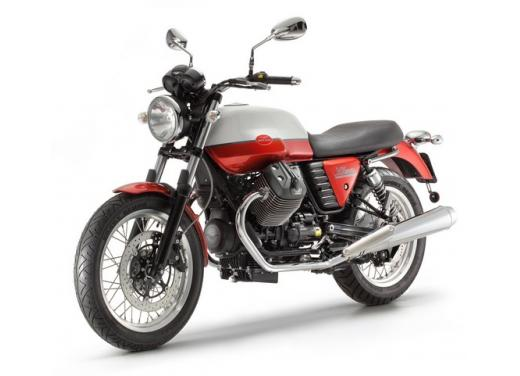 Moto Guzzi: promozioni per i modelli V7, Nevada e Stelvio - Foto 10 di 11