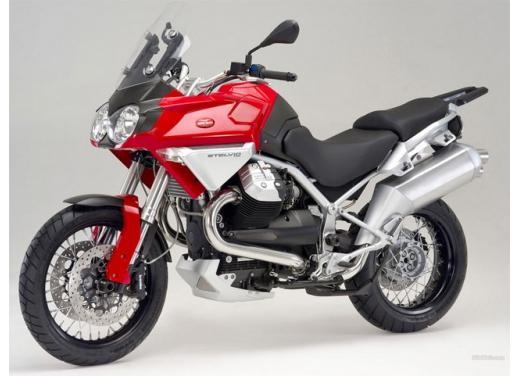 Moto Guzzi: promozioni per i modelli V7, Nevada e Stelvio - Foto 2 di 11