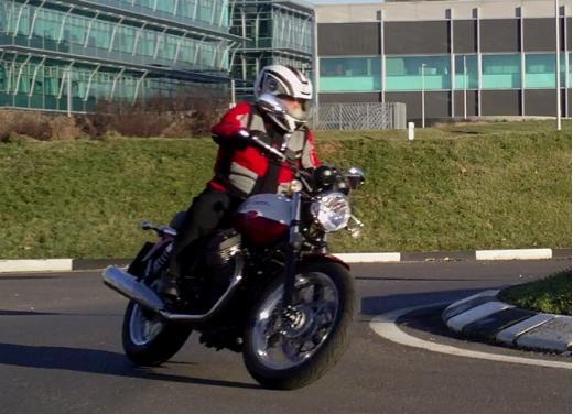 Moto Guzzi V7 Special: prova su strada - Foto 4 di 33
