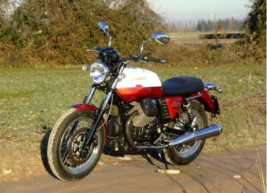 Moto Guzzi V7 Special: prova su strada - Foto 9 di 33