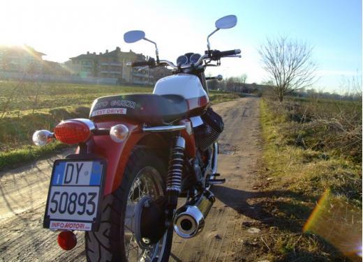 Moto Guzzi V7 Special: prova su strada - Foto 12 di 33